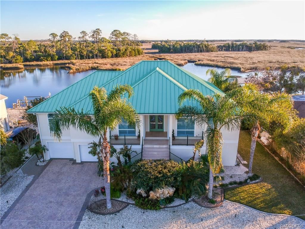 Crystal River                                                                      , FL - $870,000