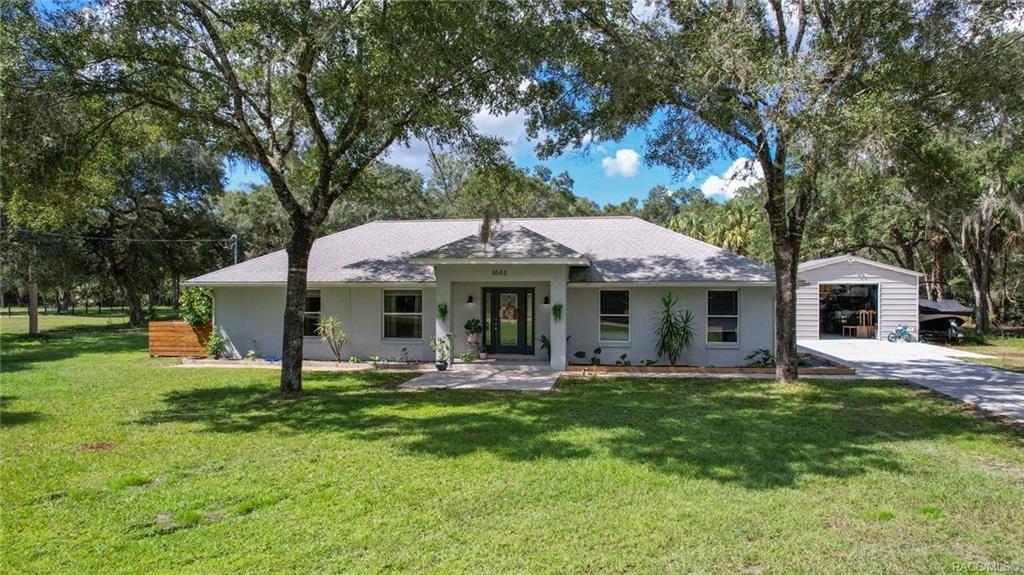 6582 N Bugbee Point                                                                               Crystal River                                                                      , FL - $369,000