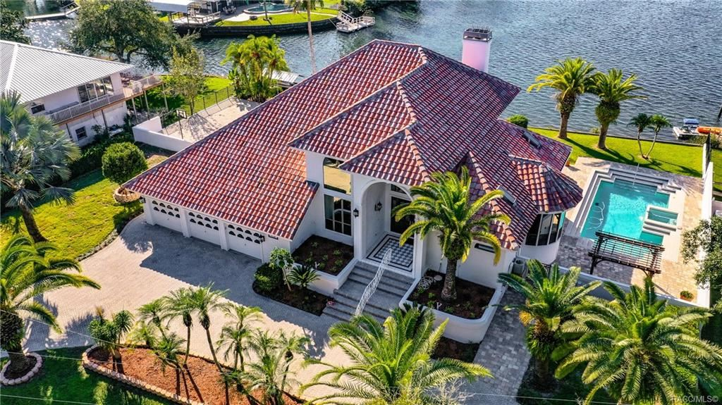 Crystal River                                                                      , FL - $1,475,000