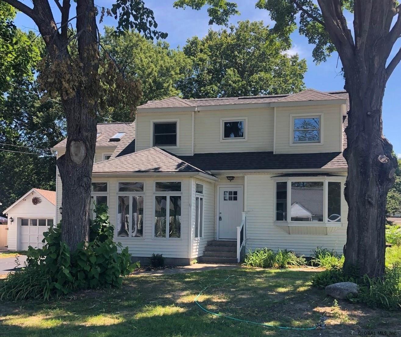 Guilderland                                                                      , NY - $299,900