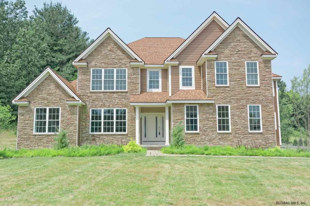 909 SUSSEX CT                                                                               Guilderland                                                                      , NY - $949,900