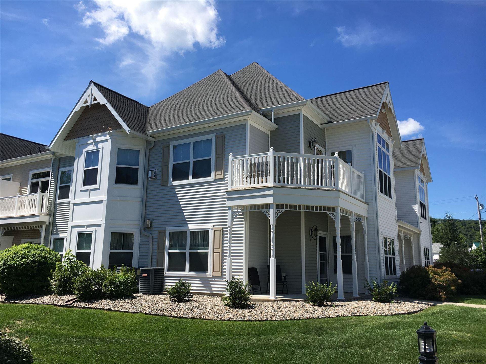 Guilderland                                                                      , NY - $245,900
