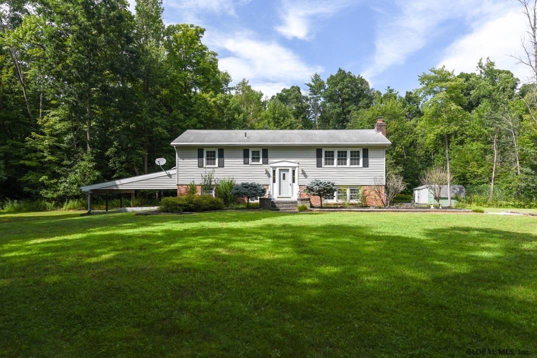 Guilderland                                                                      , NY - $329,900