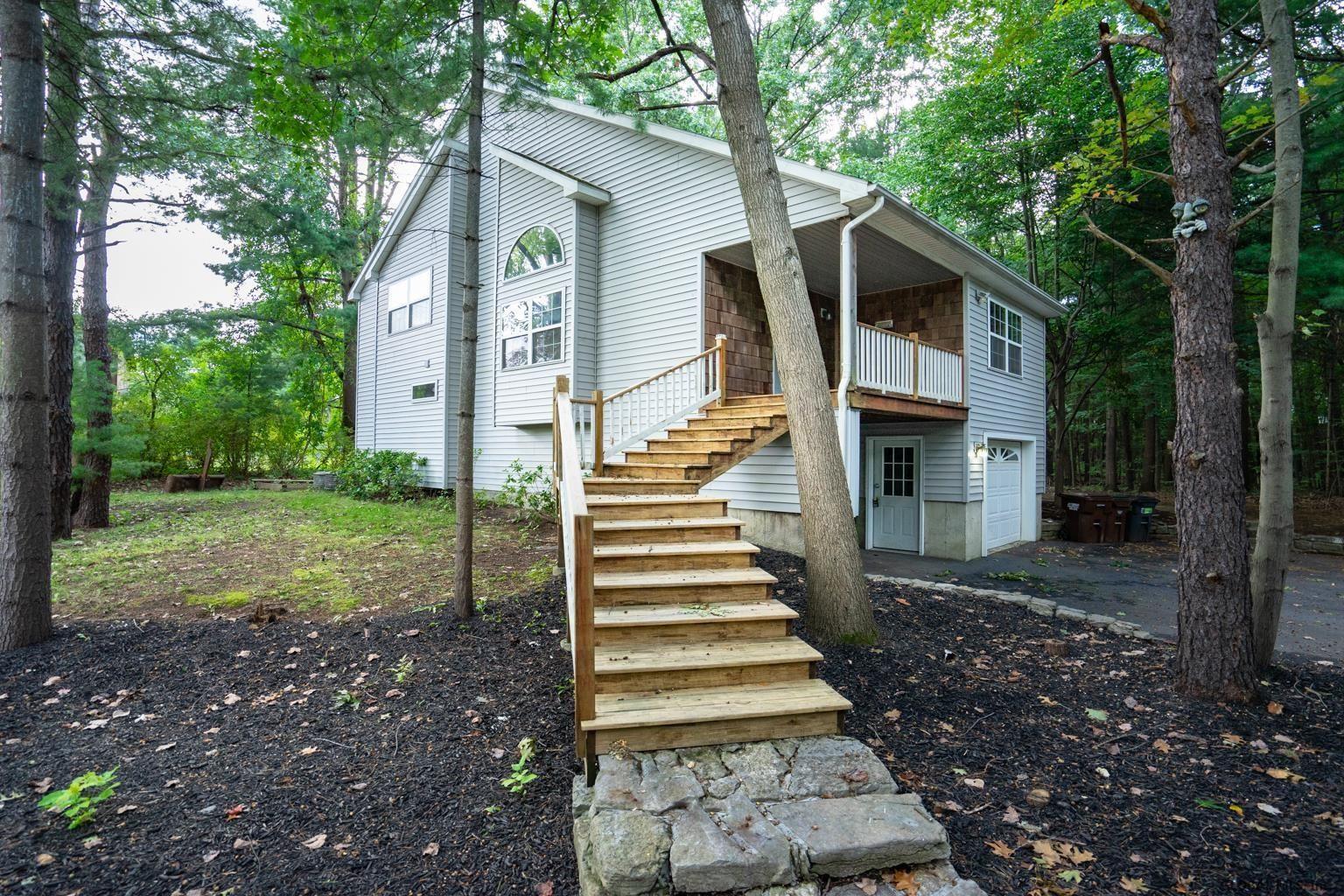 16 CAMP TER                                                                               Guilderland                                                                      , NY - $344,700
