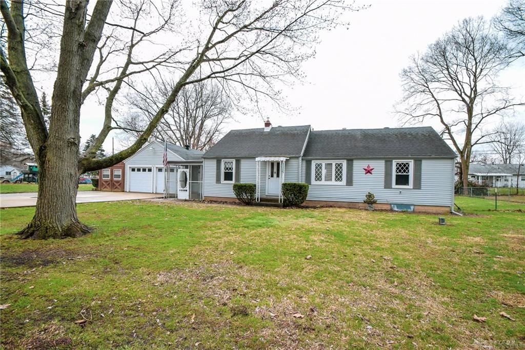 Property Image Of 41 Oak Road In Medway, Oh