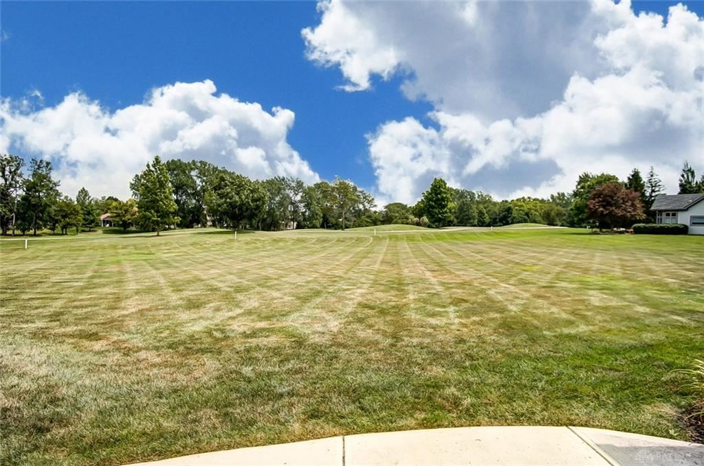 Property Image Of 9759 Greenside Court In Centerville, Oh