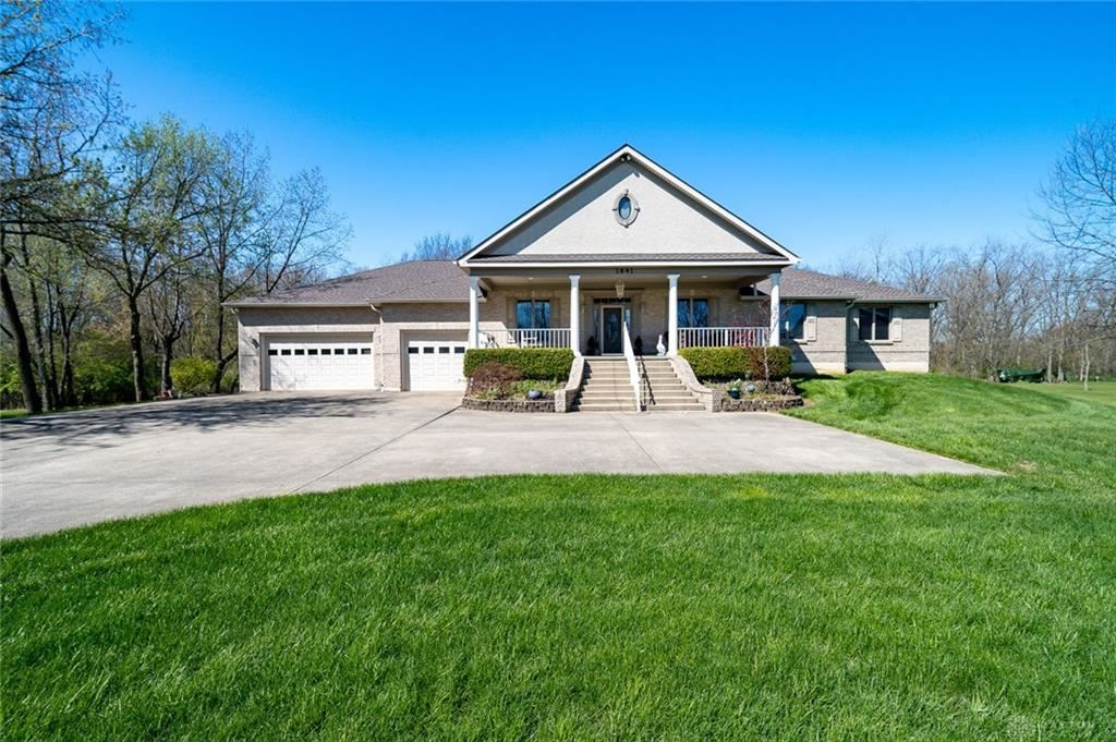 Property Image Of 1641 Graceland Drive In Fairborn, Oh