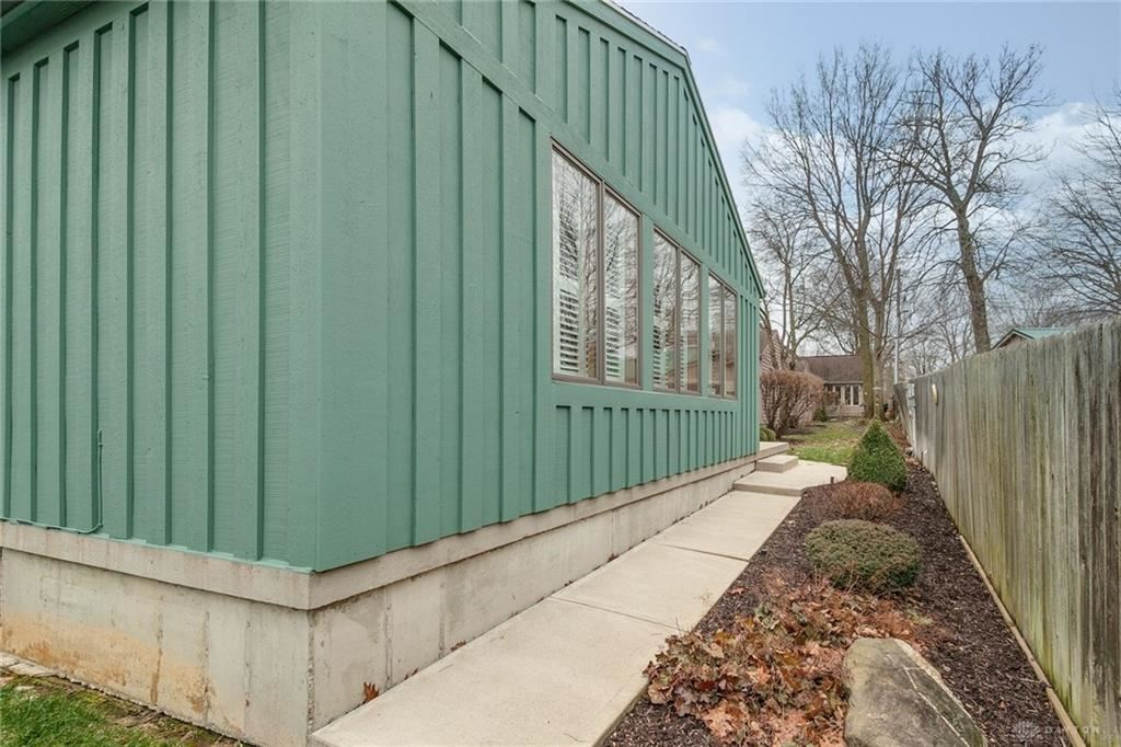Property Image Of 20 Colony Park Drive In Troy, Oh