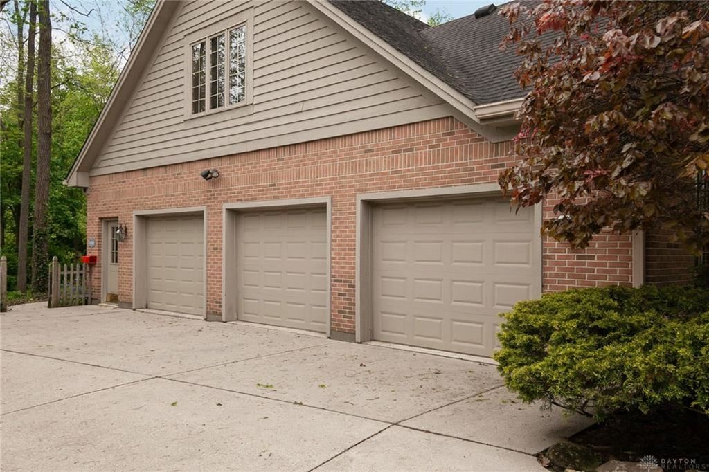 Property Image Of 585 Countryside Drive In Troy, Oh