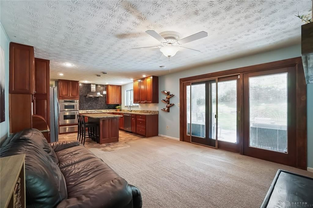 Property Image Of 2317 Lakeview Drive In Bellbrook, Oh