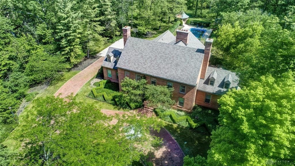Property Image Of 2496 Signal Hill Road In Moorefield Township, Oh