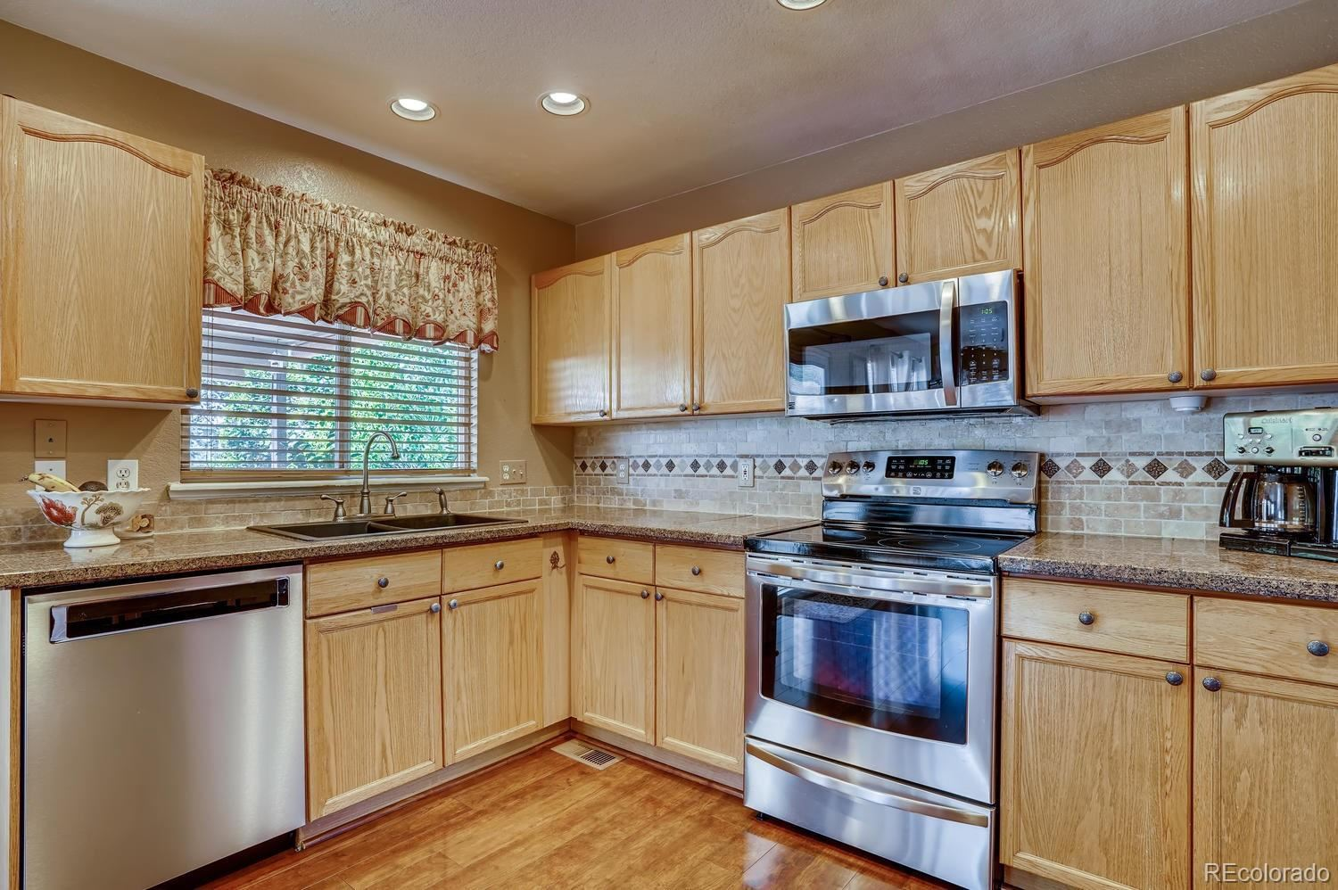 Property Image Of 9470 Wolfe Place In Highlands Ranch, Co