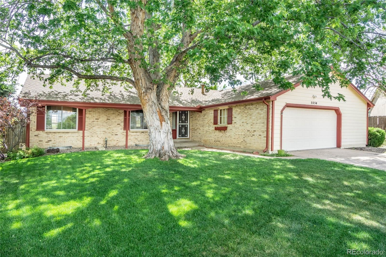 Property Image Of 5554 S Newcombe Street In Littleton, Co