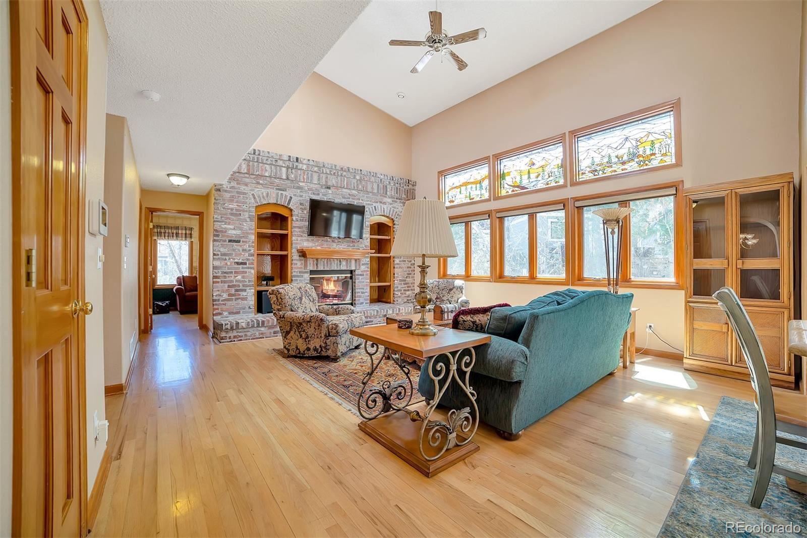 Property Image Of 1430 W Dry Creek Road In Littleton, Co