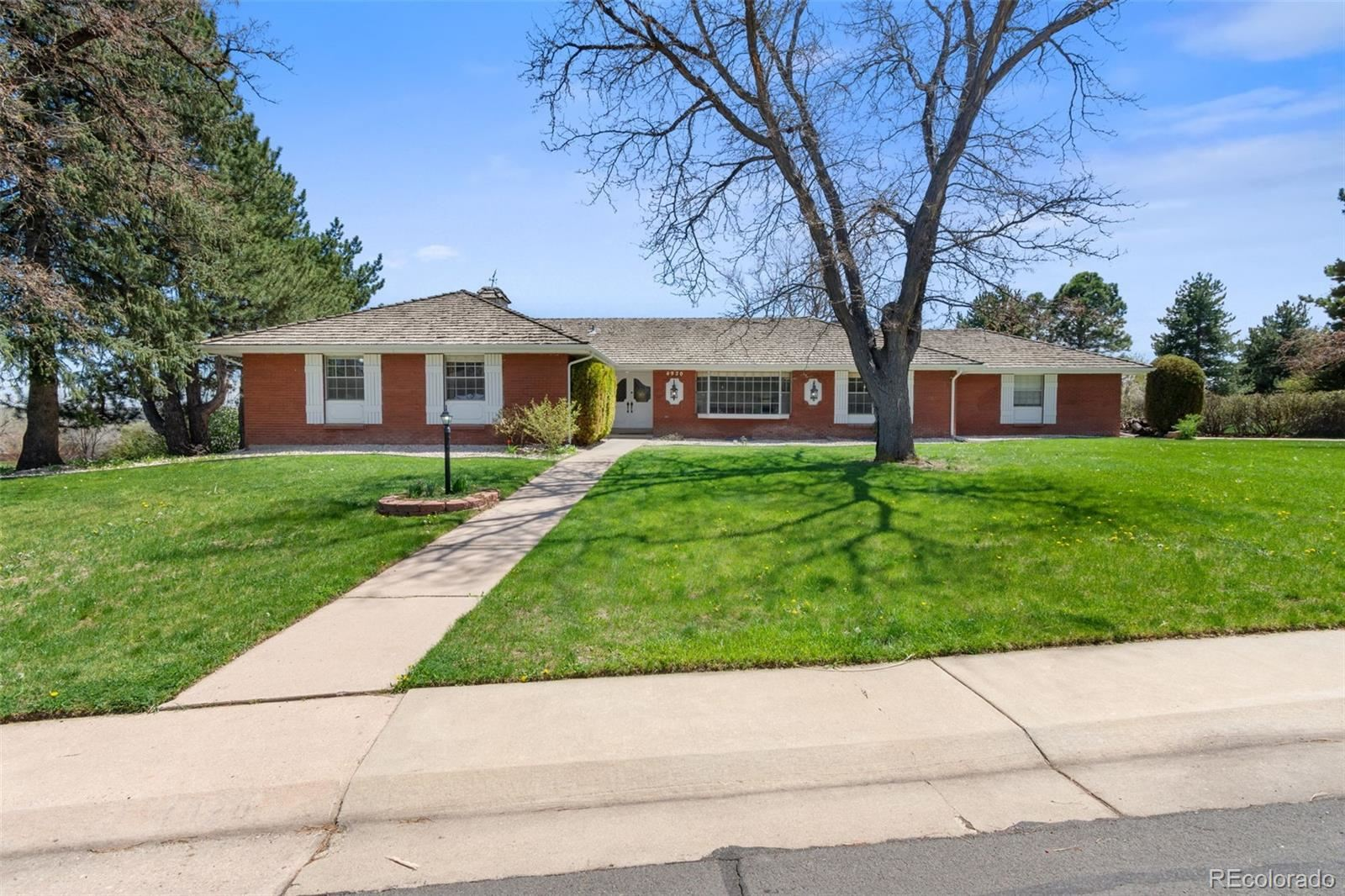 Property Image Of 4920 W Rowland Avenue In Littleton, Co