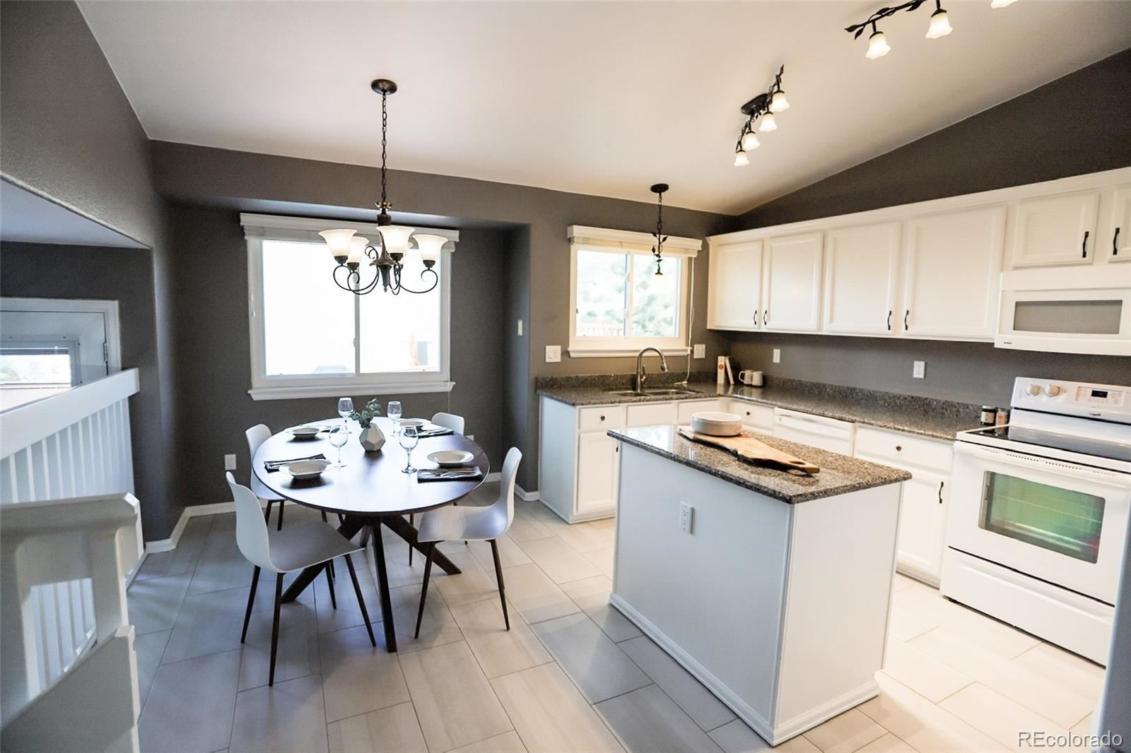 Property Image Of 10446 Hyacinth Place In Highlands Ranch, Co
