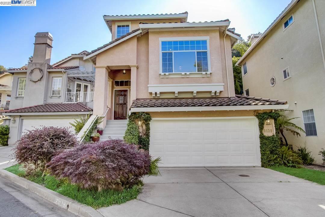 Castro Valley                                                                      , CA - $1,099,000
