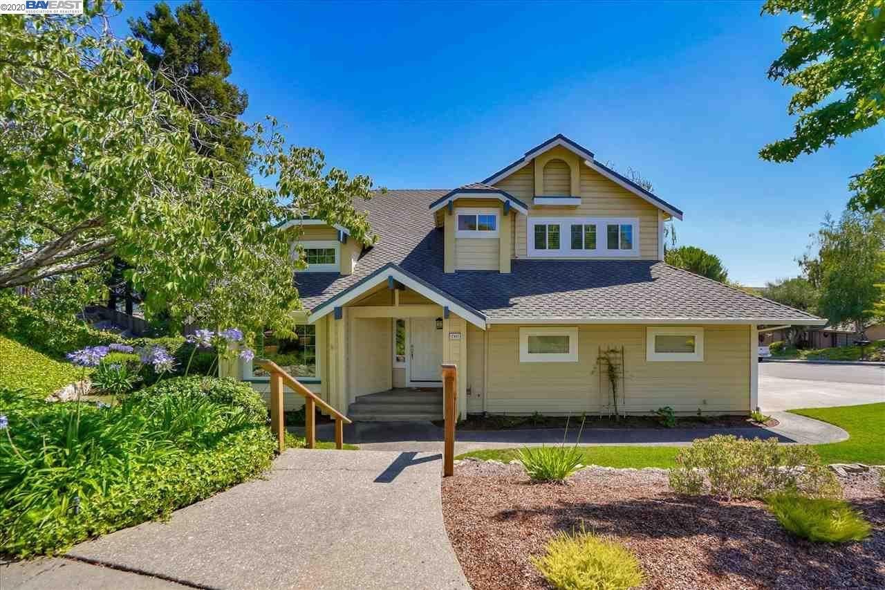 Castro Valley                                                                      , CA - $1,177,000