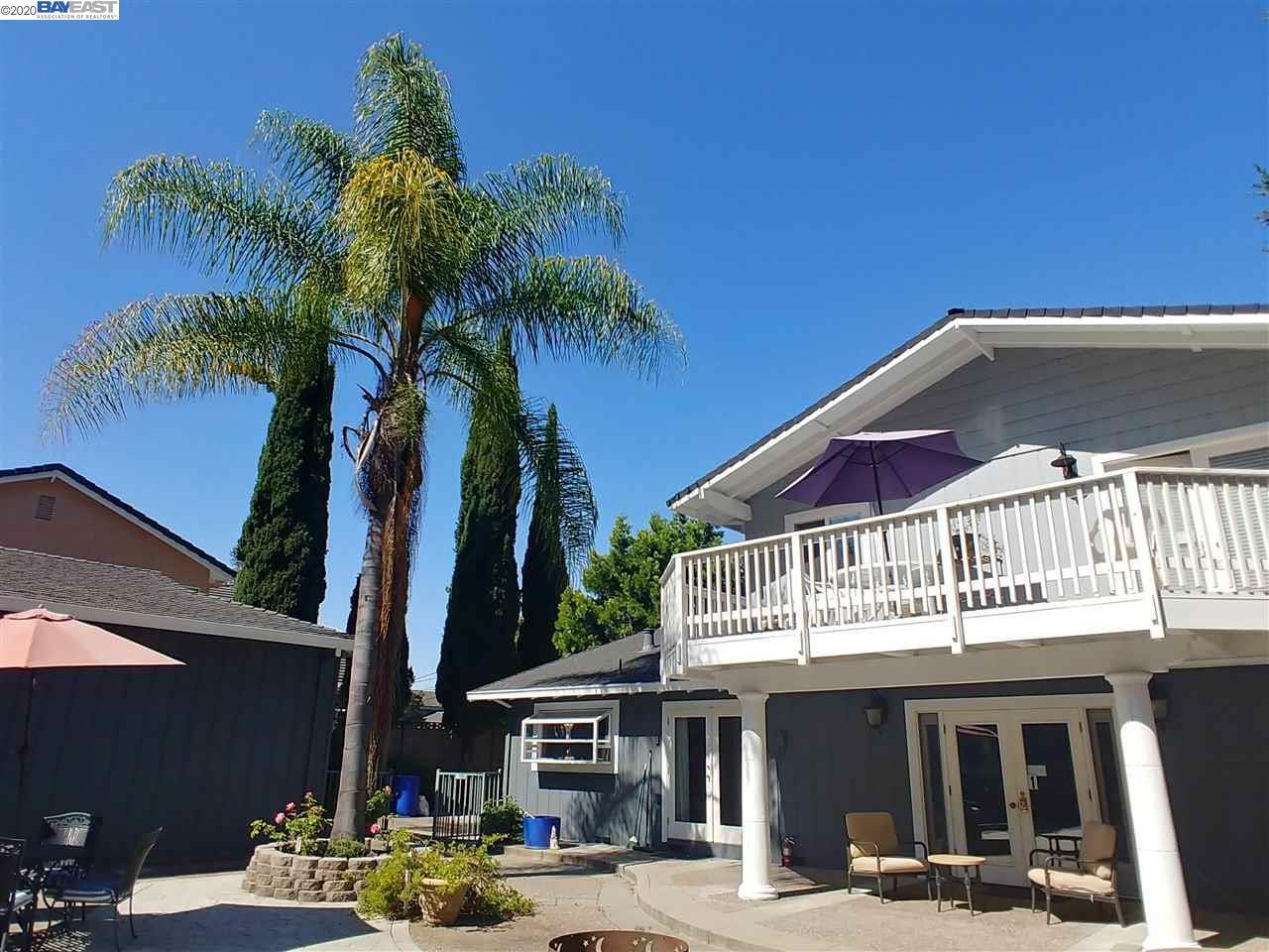 Castro Valley                                                                      , CA - $1,490,000