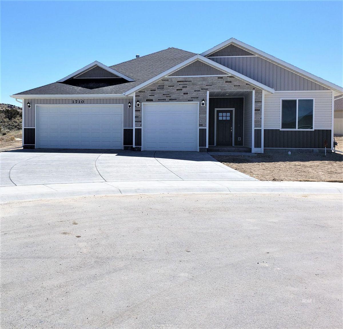 Elko                                                                      , NV - $466,000