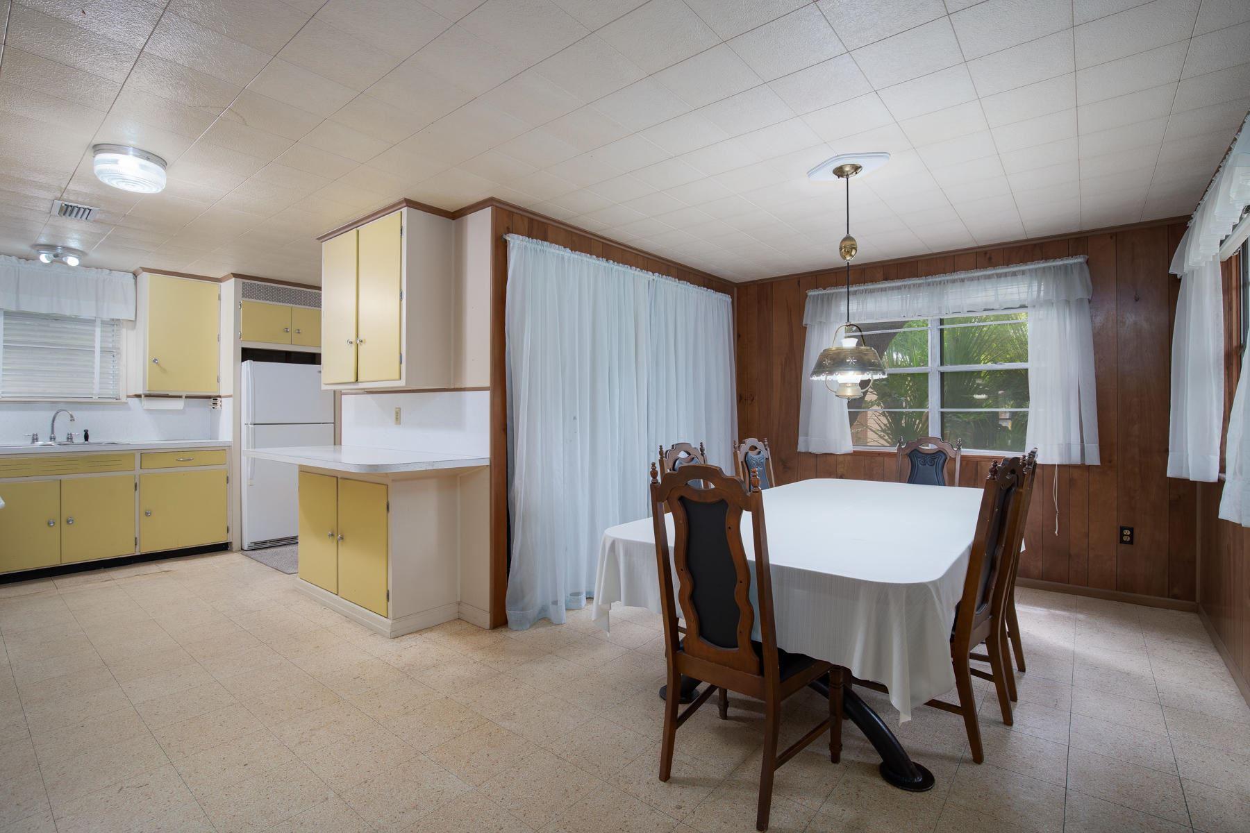 Property Image Of 225 Ne Highway Avenue In Fort Walton Beach, Fl