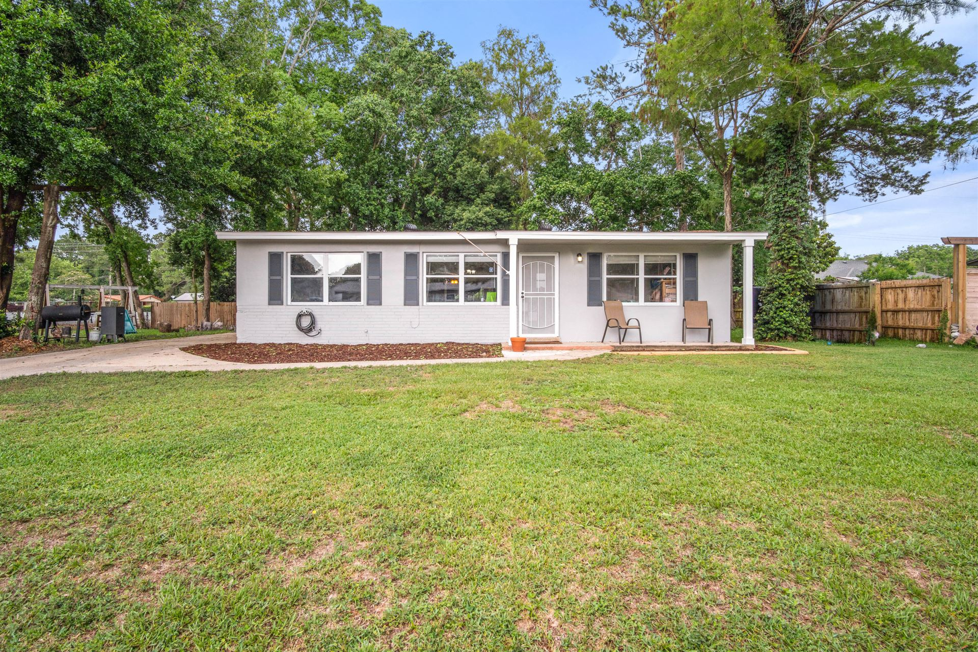 Property Image Of 680 Stonehenge Drive In Mary Esther, Fl