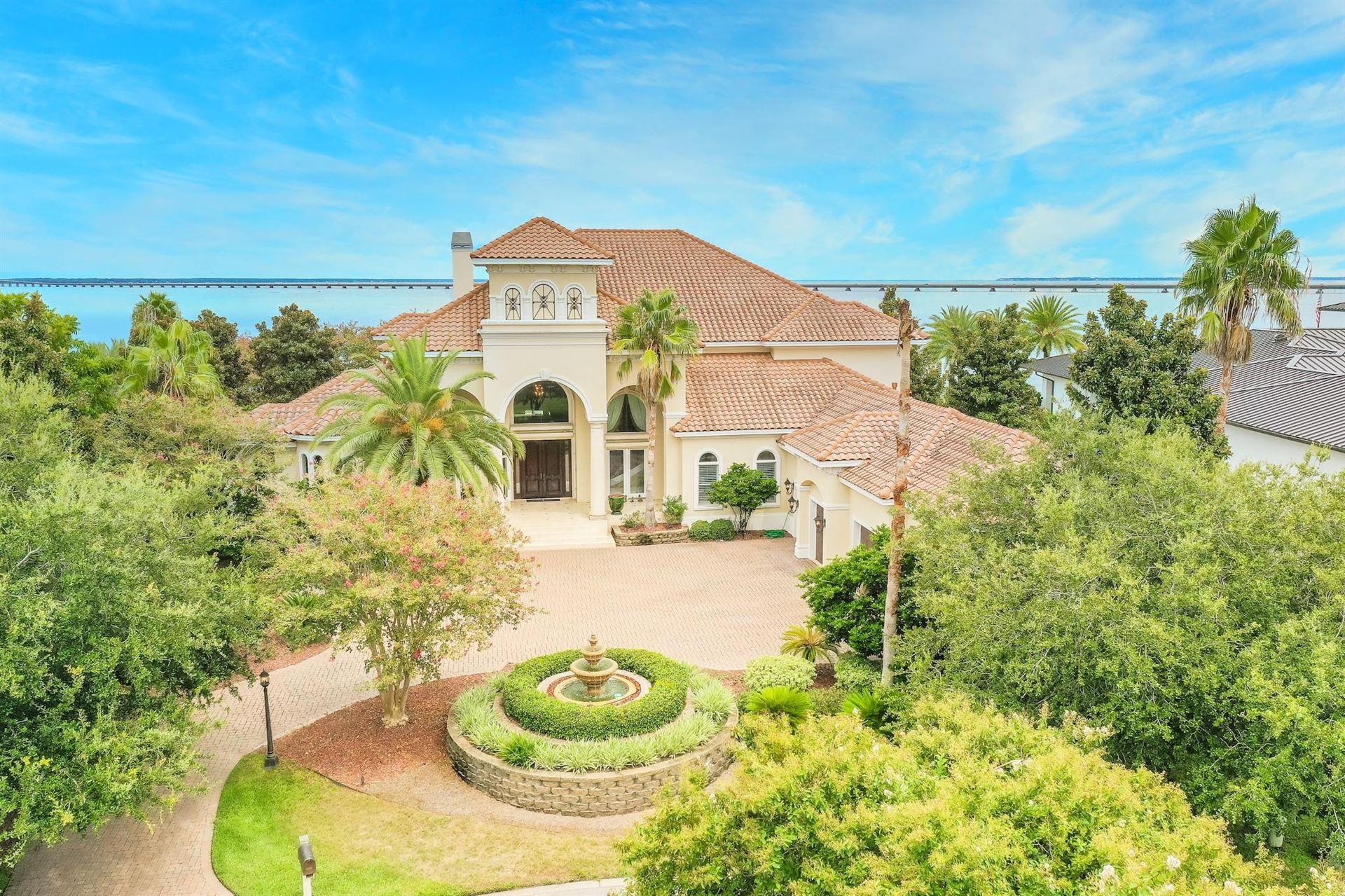Destin                                                                      , FL - $4,937,000