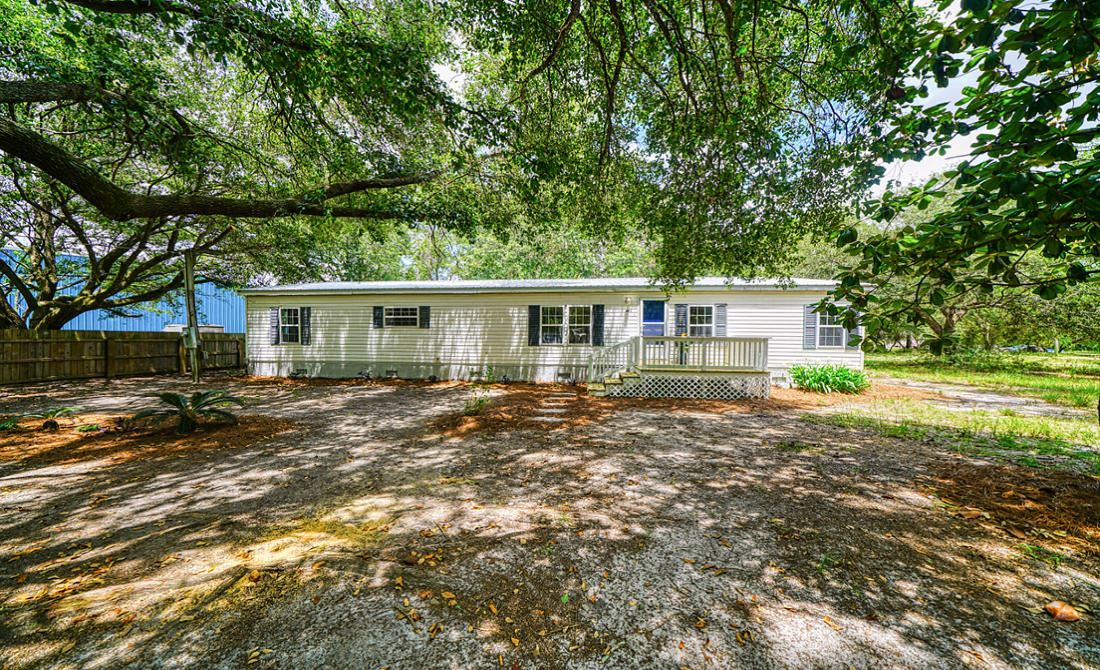 Property Image Of 303 Black Creek Boulevard In Freeport, Fl