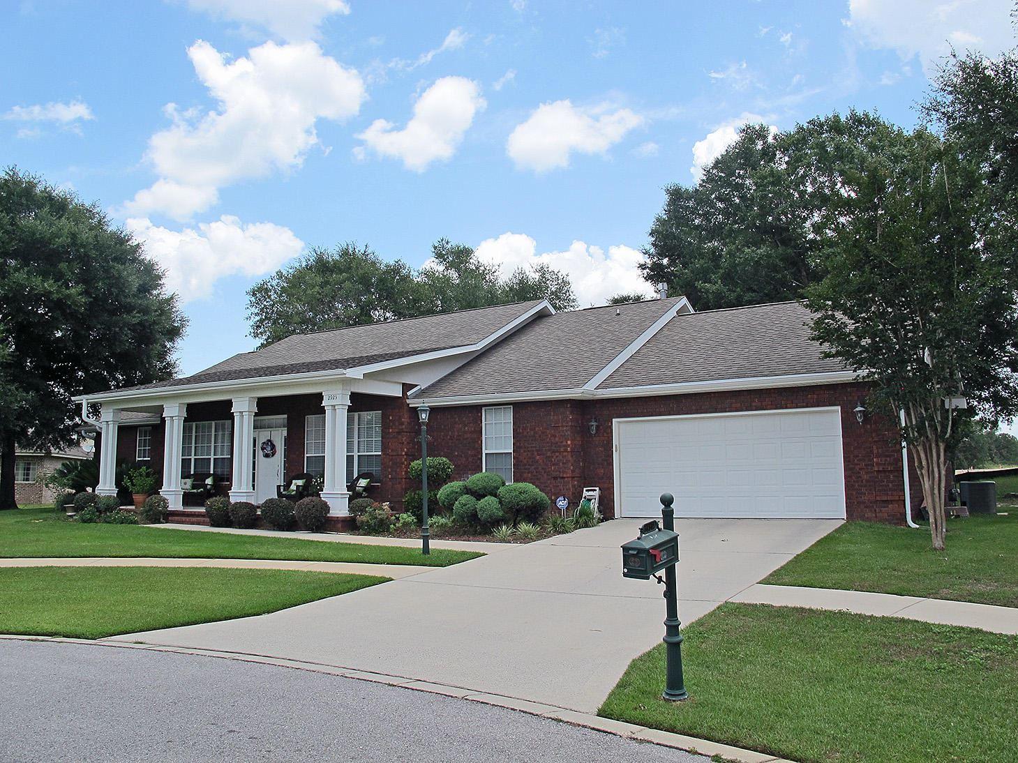 Property Image Of 2925 Chantey Street In Crestview, Fl