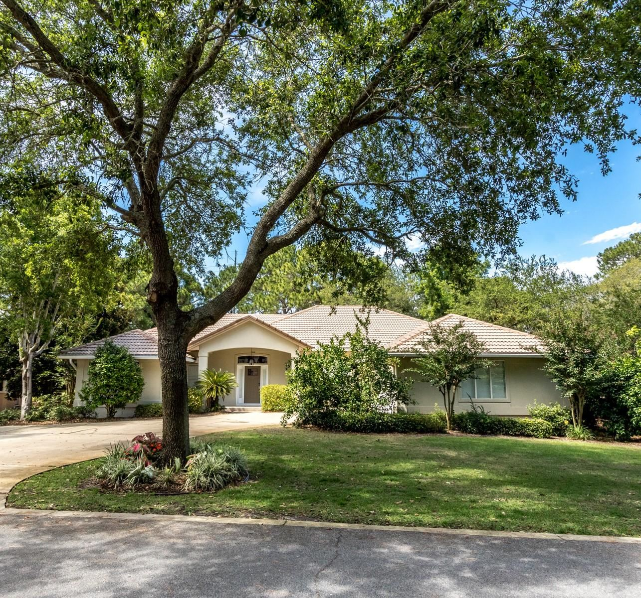 Property Image Of 364 Golfview Drive In Miramar Beach, Fl