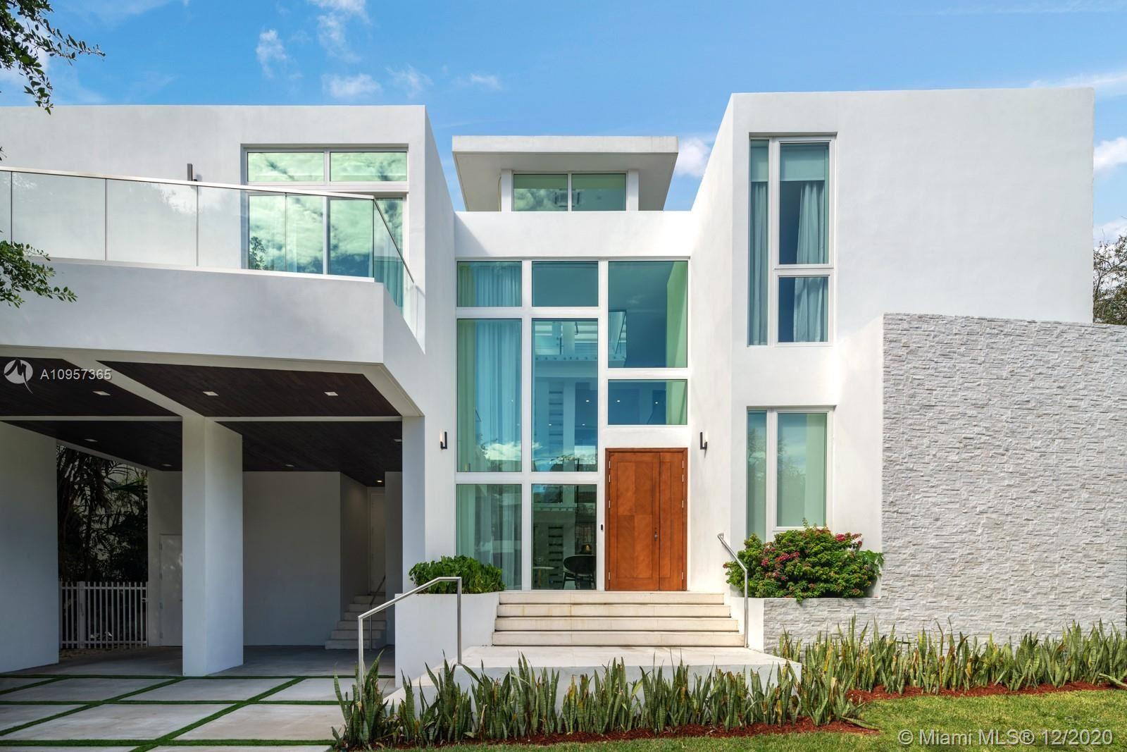 Key Biscayne                                                                      , FL - $4,690,000