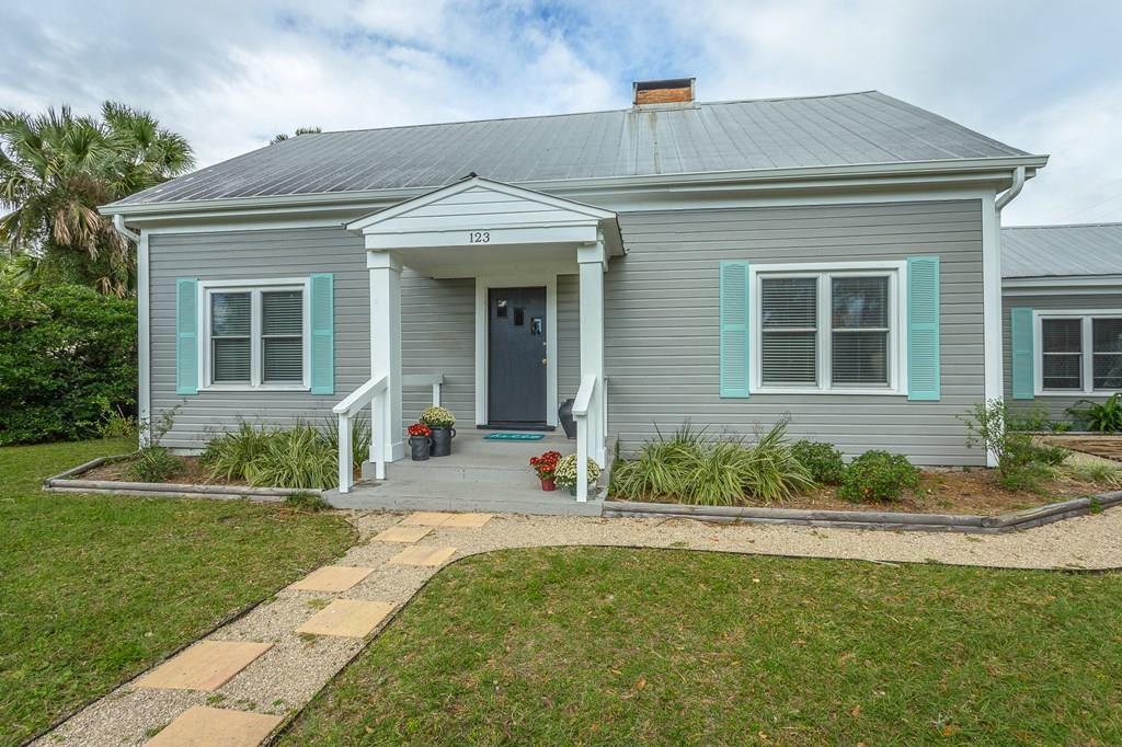 Apalachicola                                                                      , FL - $475,000