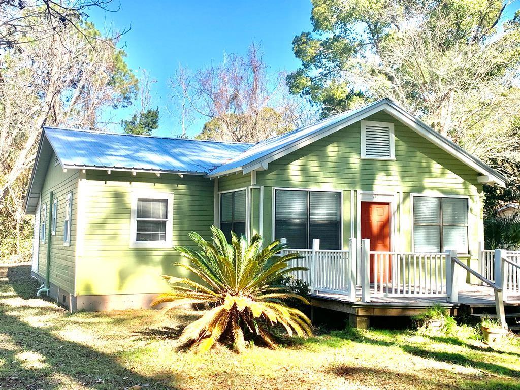 Apalachicola                                                                      , FL - $179,000