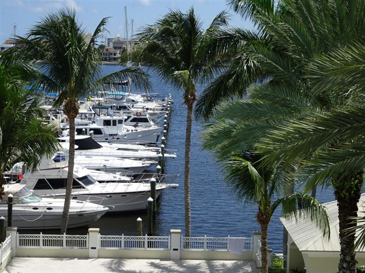 MOORINGS AT LANTANA Properties For Sale