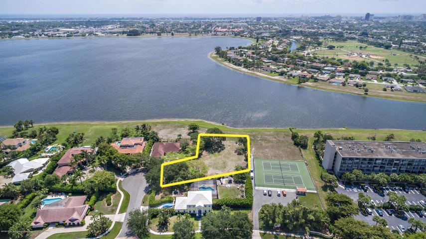 PRESIDENT COUNTRY CLUB 4 Properties For Sale