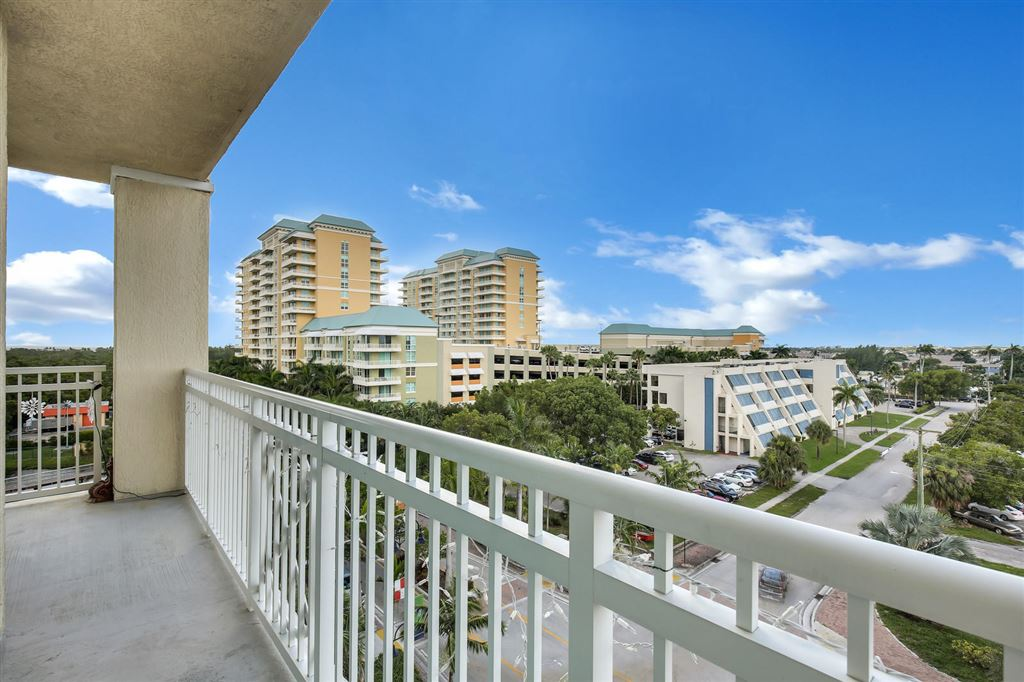 350 Federal, Boynton Beach, FL, 33435, CASA COSTA CONDO Home For Sale