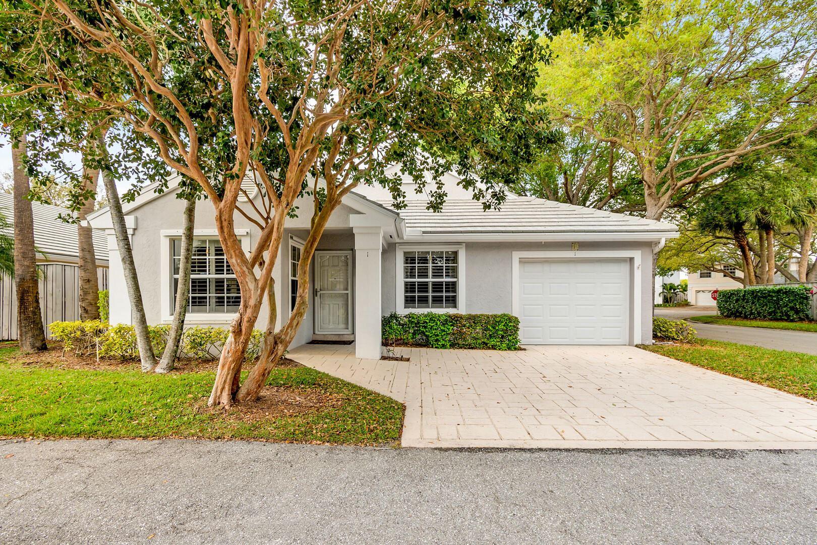 Palm Beach Gardens                                                                      , FL - $369,000