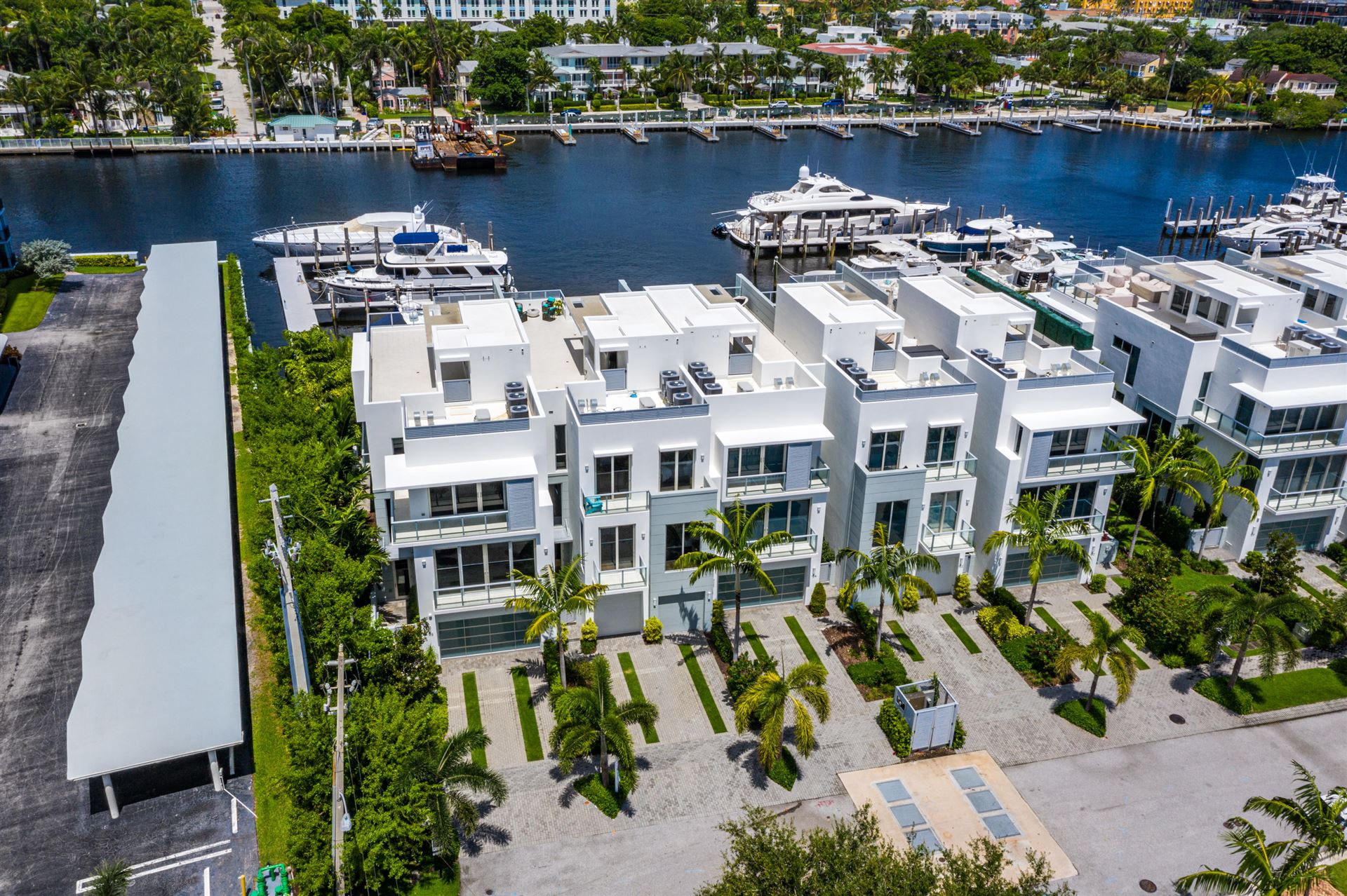 Seagate Yacht Club Properties For Sale