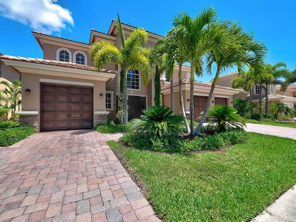 652 Edgebrook, Royal Palm Beach, 33411 Photo 1