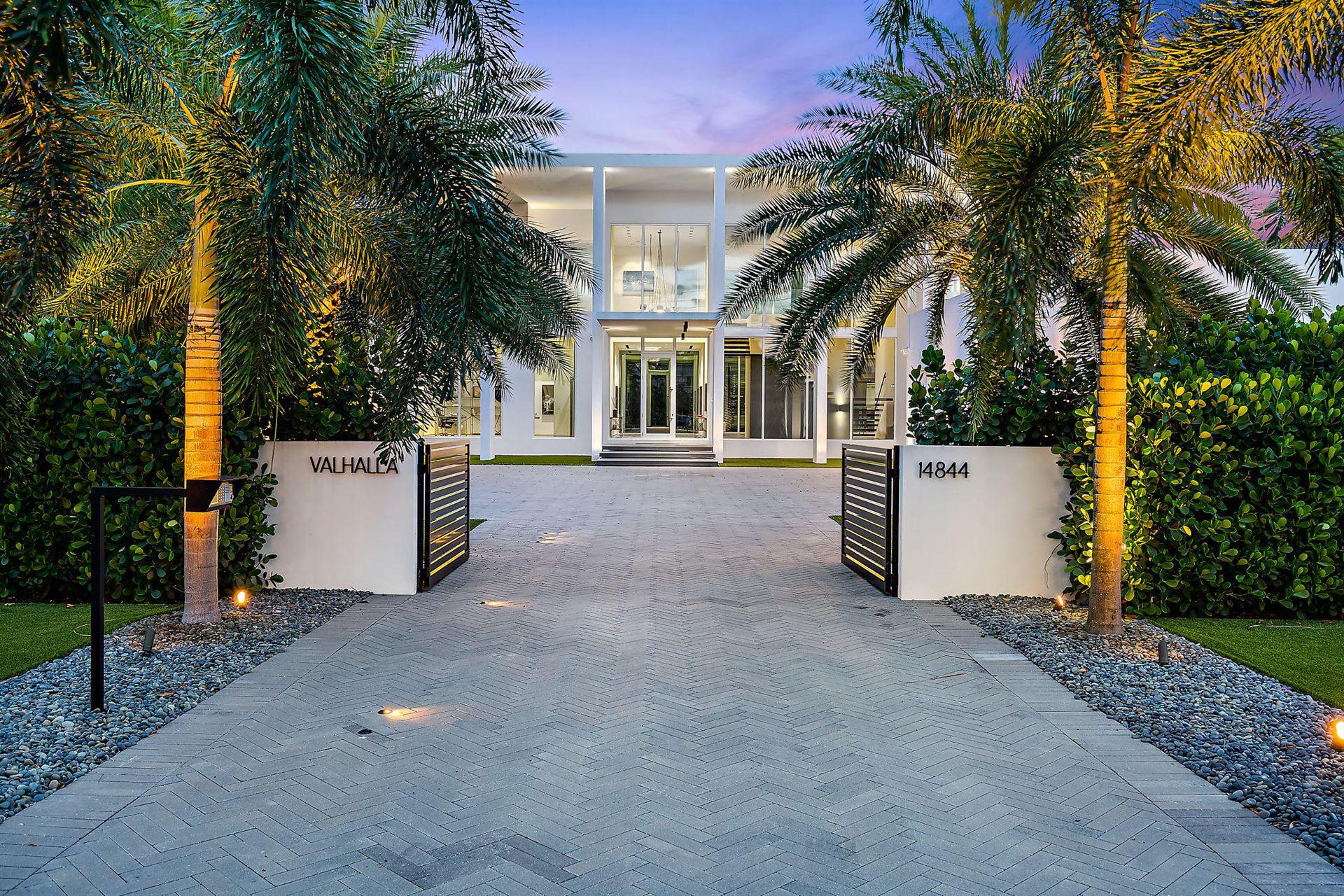 Palm Beach Gardens                                                                      , FL - $9,400,000