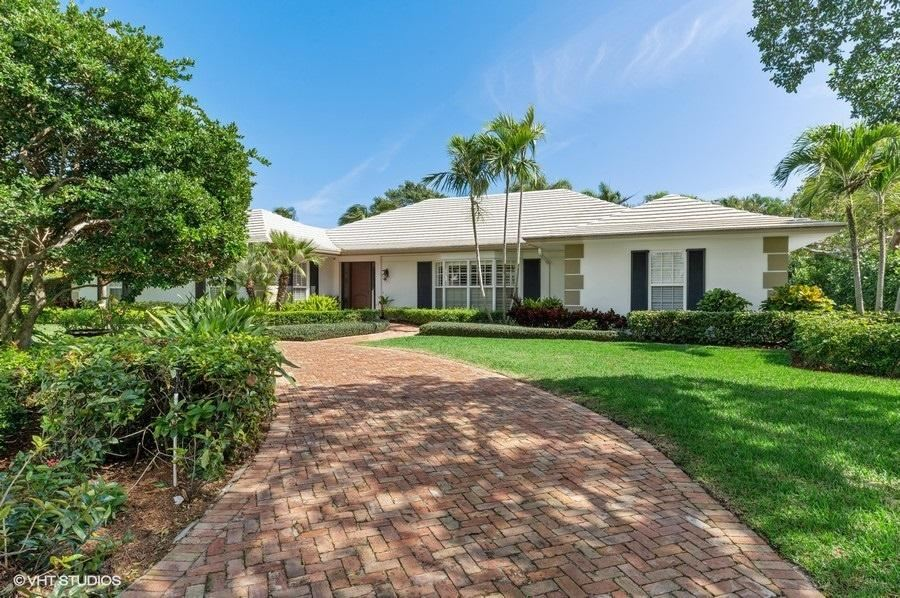 North Palm Beach                                                                      , FL - $3,995,000