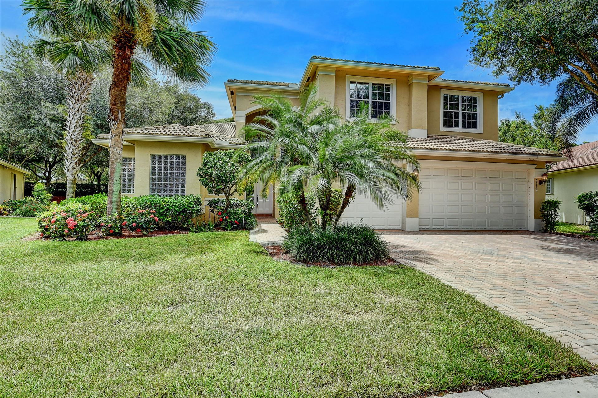 VALENCIA POINTE Properties For Sale