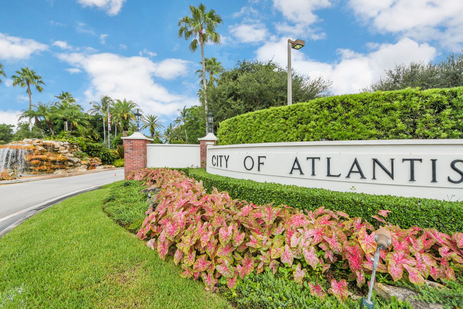 400 Pine Villa, Atlantis, 33462 Photo 1