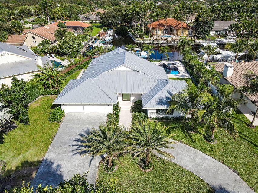 Palm Beach Gardens                                                                      , FL - $3,490,000