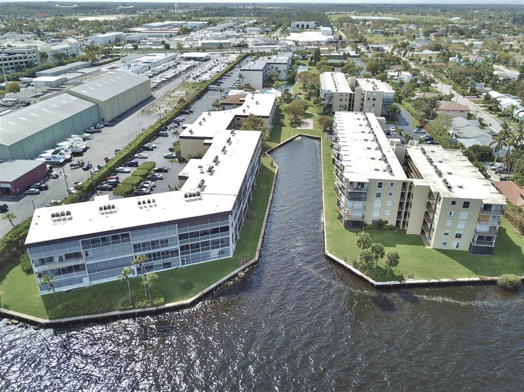 HIDDEN HARBOUR OF THE PALM BEACHES CONDO Properties For Sale