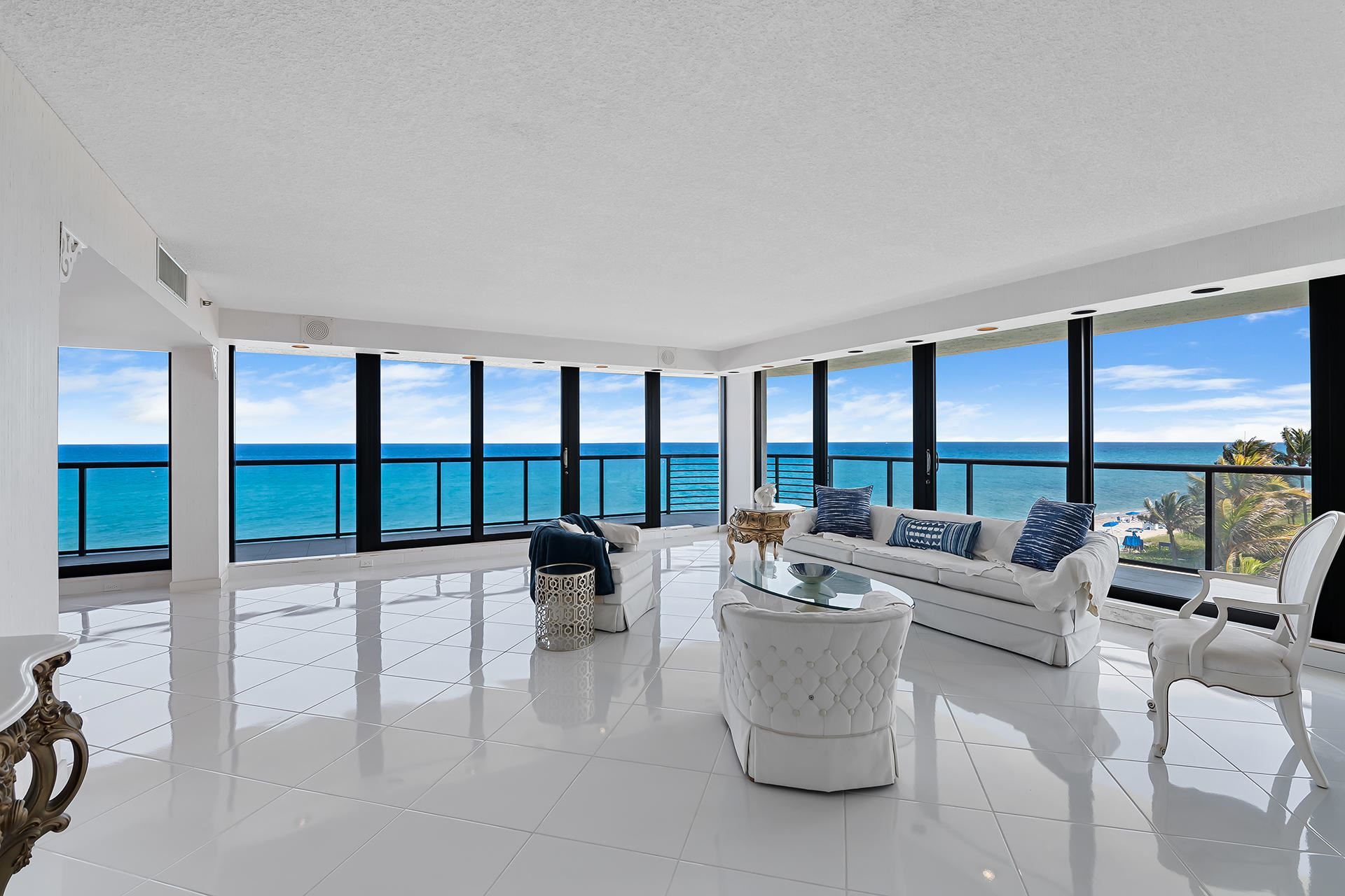 VILLA MAGNA COND Properties For Sale