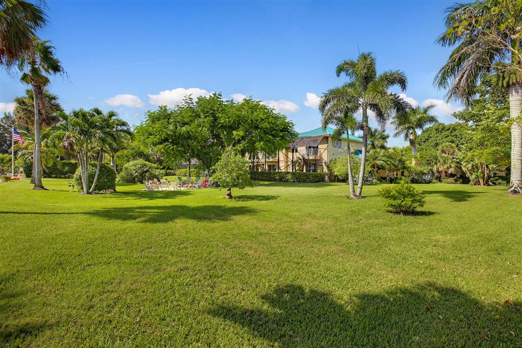 Additional photo for property listing at 13750 Old Prosperity Farms Road  Palm Beach Gardens, Florida,33410 Verenigde Staten