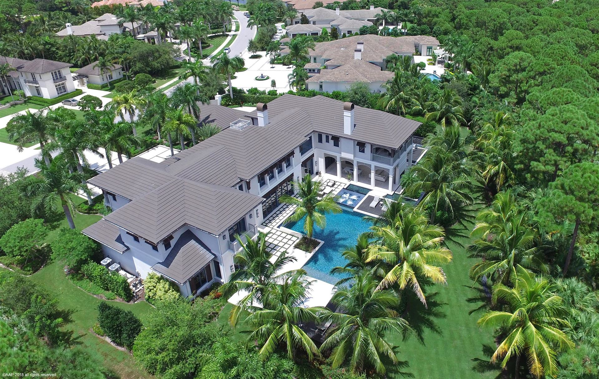 Palm Beach Gardens                                                                      , FL - $9,900,000