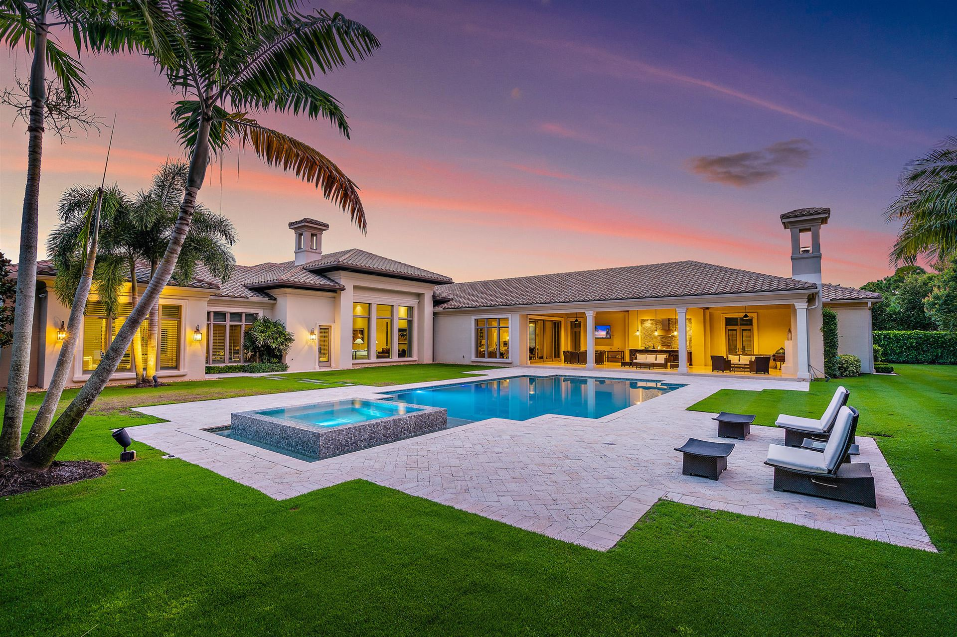 Palm Beach Gardens                                                                      , FL - $6,495,000
