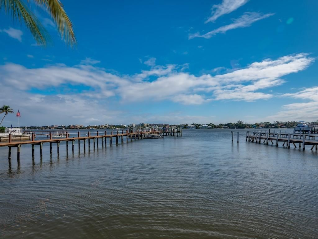 COCONUT COVE Properties For Sale